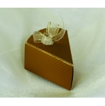 Geschenkbox in Form eines Tortenstücks